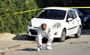 Un enquêteur sur les lieux de l'attaque devant le Parlement tunisien