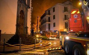 Sur l'île de Madère, les flammes ont fait trois morts dans la nuit de mardi à mercredi.