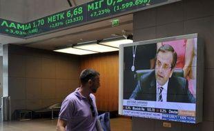 Les milieux d'affaires en Grèce espéraient lundi la formation rapide d'un gouvernement d'union nationale pour relancer d'urgence la machine économique totalement grippée par l'incertitude politique.