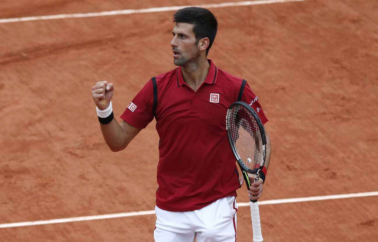 roland garros novak djokovic n 39 est pas ravi d 39 avoir jou deux sets sous la pluie. Black Bedroom Furniture Sets. Home Design Ideas