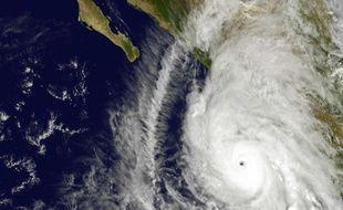 L'Ouragan Patricia vu par satellite, au large du Mexique.