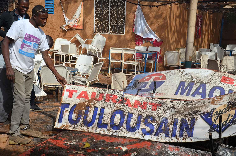 vans montant femme - VIDEO. Niger/Emeutes contre ?Charlie Hebdo?: Le pr��sident fustige ...