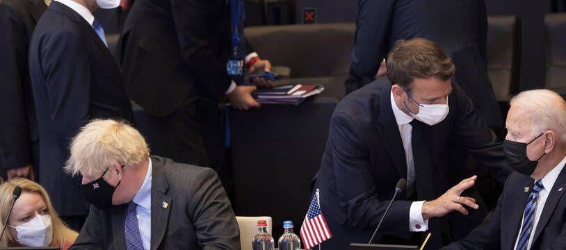 Boris Johnson, Emmanuel Macron et Joe Biden au sommet de l'Otan à Bruxelles, le 14 juin 2021.