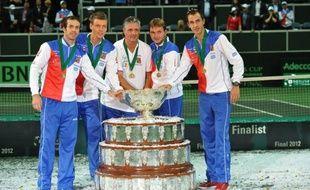 Radek Stepanek, 37e joueur mondial et doyen du Top 50 à bientôt 34 ans, a offert à la République tchèque sa première Coupe Davis, en battant l'Espagnol Nicolas Almagro dans le dernier simple de la finale, dans une atmosphère euphorique à Prague