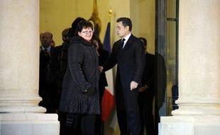 Nicolas Sarkozy rendra visite jeudi après-midi aux ouvrières de Lejaby à Yssingeaux (Haute-Loire), où il sera accueilli par le ministre de la Recherche Laurent Wauquiez, a-t-on appris mercredi de sources concordantes