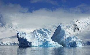 Illustration d'un iceberg en Antarctique