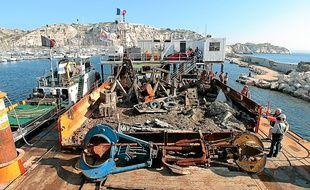 L'opération de nettoyage des fonds marins coûte 300 000 € pour l'année 2013.