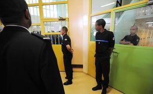 Des gardiens à la maison d'arrêt de Villepinte, le 28 mai 2008.