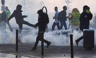 La manifestation des «gilets jaunes» avait dégénéré samedi soir à Quimper.
