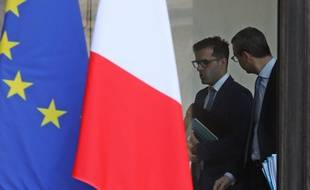 Isamël Emelien (à gauche) est conseiller spécial d'Emmanuel Macron. Il est l'un des plus proches collaborateurs du chef de l'Etat.