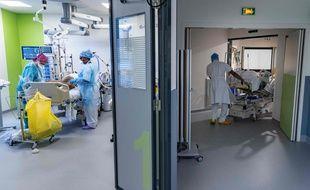 Coronavirus: Les chiffres d'hospitalisation et réanimation toujours en hausse (Illustration)