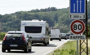 Un panneau de limitation de vitesse près de Valence, le 2 juillet 2015