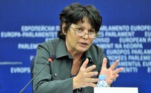 La députée européenne verte Michèle Rivasi a attiré l'attention mardi sur les dangers éventuels d'un nouveau gaz réfrigérant utilisé depuis peu dans le système de climatisation des véhicules.