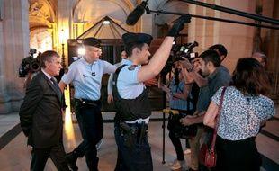 Paris, le 14 septembre 2016. Jérôme Cahuzac sort de la salle d'audience où le parquet vient de requérir trois ans de prison ferme à son encontre.