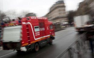 """Moins d'incendies, moins d'accidents de la route mais plus d'interventions d'ordre social: les pompiers sont de plus en plus sollicités pour des """"non urgences"""", parfois très éloignées de leur coeur de métier. """"Jusqu'à faire le samu social"""", dit un dirigeant des pompiers."""
