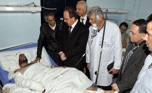 """Le président syrien Bachar al-Assad a condamné l'attentat suicide ayant tué un célèbre dignitaire religieux sunnite favorable au régime et 48 autres personnes à Damas, s'engageant à """"nettoyer"""" le pays des extrémistes."""