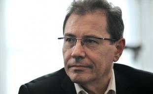 """Le MoDem est """"disponible pour élargir l'équipe gouvernementale"""", déclare son vice-président, Robert Rochefort, dans une interview au quotidien La Croix à paraître lundi, estimant que """"c'est dans l'intérêt de la France que François Hollande élargisse son équipe""""."""