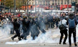 Affrontement entre manifestants contre le réchauffement climatique et la police le 29 novembre 2015 à Paris