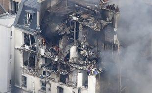 «Il y a un risque que l'événement s'effondre», rapporte le commandant Gabriel Plus, porte-parole des sapeurs-pompiers de Paris