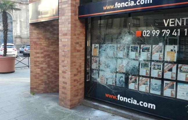 L'agence Foncia située rue du Pré Botté a été prise pour cible par les casseurs.