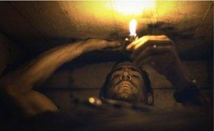 Ryan Reynolds est enterré dans un cercueil. Il a 1 h 30 pour essayer d'en sortir.