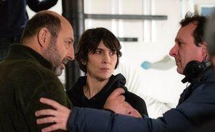 Kad Merad (Thomas Kertez), Géraldine Pailhas (Sophie Lancelle) avec Christophe Lamotte, réalisateur.