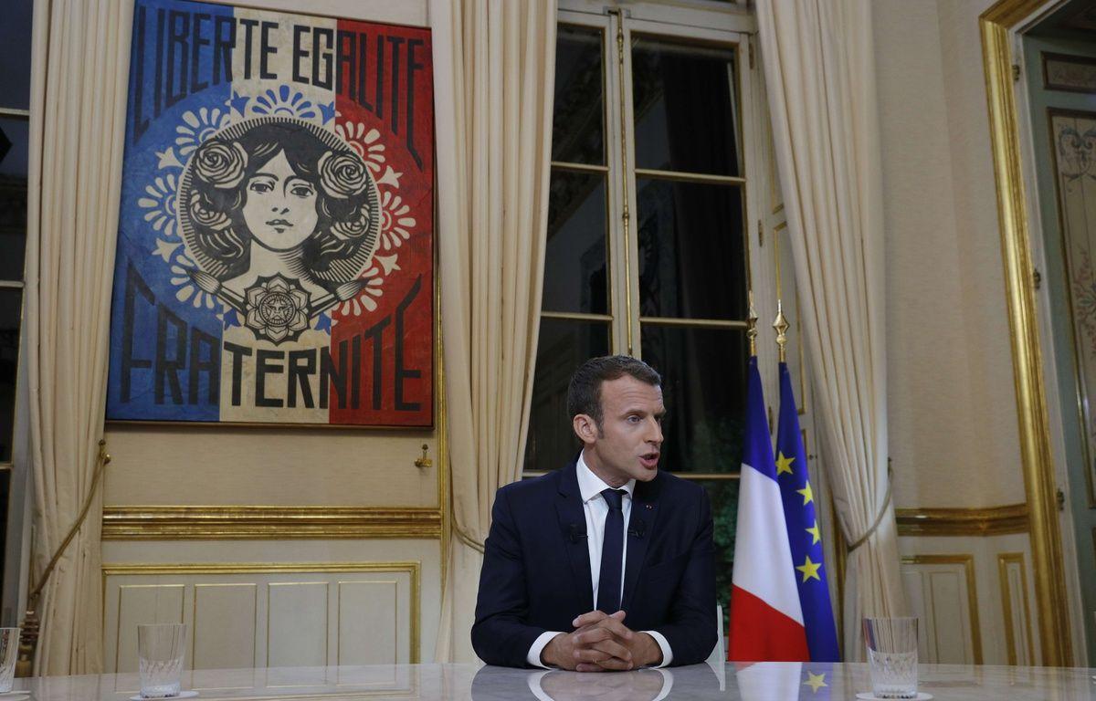 Emmanuel Macron avant son interview télévisée, le 15 octobre 2017. – Philippe Wojazer/AP/SIPA