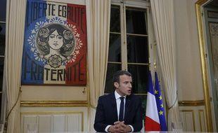 Emmanuel Macron avant son interview télévisée, le 15 octobre 2017.