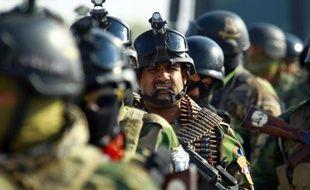 Des membres de la police irakienne à Nadjaf le 19 novembre 2014