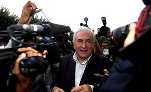 Dominique Strauss-Kahn, arrivant dans sa maison Place des Vosges à Paris, après avoir quitté New-York, le 04 septembre 2011