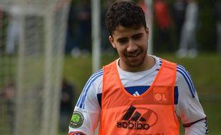 Yassin Fekir, ici lors d'un match disputé en avril 2016 avec la réserve de l'OL... et avec son grand frère Nabil.