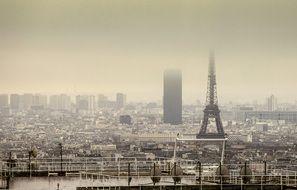 Illustration d'une journée à forte pollution à Paris, en janvier 2018.