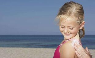 fcddb7564c Pour bien protéger son enfant des méfaits du soleil, il faut être vigilant  sur la