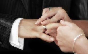 Illustration d'échange de vœux de mariage.