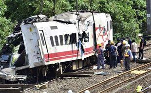 Un des wagons du Puyuma Express, qui a déraillé dimanche 21 octobre 2018 à Taïwan.