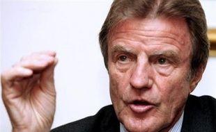 """Un Français travaillant pour une association humanitaire, Pascal Marlinge, a été """"sauvagement assassiné"""" dans l'est du Tchad, a déclaré jeudi le ministre des Affaires étrangères Bernard Kouchner dans un communiqué."""