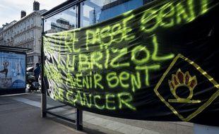 Lors d'une manifestation de victimes de l'incendie de Lubrizol, à Rouen.