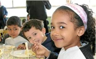 Les repas des enfants ont été présentés aux parents.