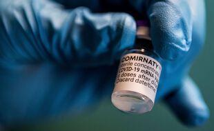 Un flacon du vaccin de Pfizer-BioNTech (Illustration)