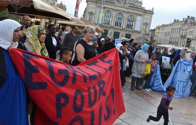 Les mamans du Petit-Bard manifestent, en mai 2015.