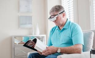 Les lunettes esight viennent permettent aux malvoyants de mieux voir.