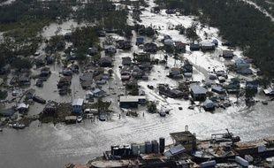 La ville de Lafitte, en Louisiane, sous les eaux après le passage de l'ouragan Ida, le 30 aout 2021.
