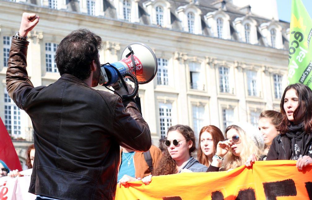 La manifestation avait pourtant commencé dans le calme, ici place du Parlement. - C. Allain / APEI / 20 Minutes