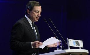 Après les spectaculaires annonces du mois dernier, la Banque centrale européenne (BCE) va garder son principal taux inchangé jeudi et rester avare de détails sur son nouveau programme de rachat de dette lors de sa réunion de politique monétaire, estiment des analystes.