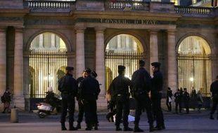 Le gouvernement a remporté vendredi une nouvelle manche contre l'humoriste controversé Dieudonné, la justice ayant confirmé l'interdiction du spectacle prévu dans la soirée à Tours, comme elle l'avait fait la veille pour la représentation nantaise.