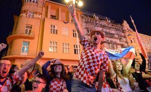 Des supporters croates, ici à Zagreb, lors de la célébration de la qualification pour la finale de la Coupe du monde 2018.