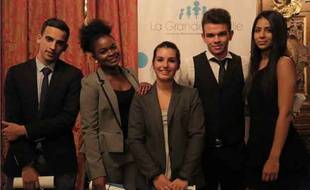 Les cinq étudiants accompagnés par le cabinet d'avocats depuis 2013.