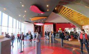 Le hall d'accueil du cinéma Gaumont de Rennes.