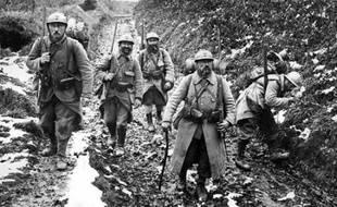 Le terme poilu, immortalisé par la Grande guerre durant laquelle il devint rapidement le surnom donné aux 8,5 millions de soldats français, est apparu bien avant 1914, selon l'Historial de la Grande guerre de Péronne (Somme).