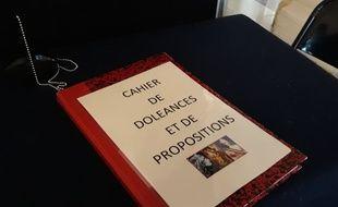 Le cahier de doléances dans la mairie du 19e arrondissement